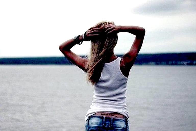 Крутые картинки для девушек на аву со спины027