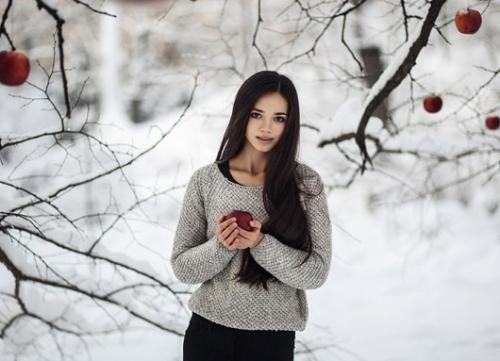 Лучшие позы для фотосессии зимой на улице - 35 фото (19)