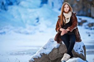 Лучшие позы для фотосессии зимой на улице - 35 фото (22)