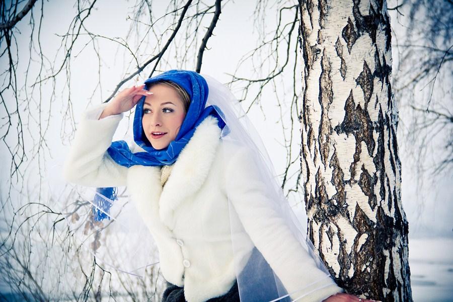 Лучшие позы для фотосессии зимой на улице - 35 фото (24)