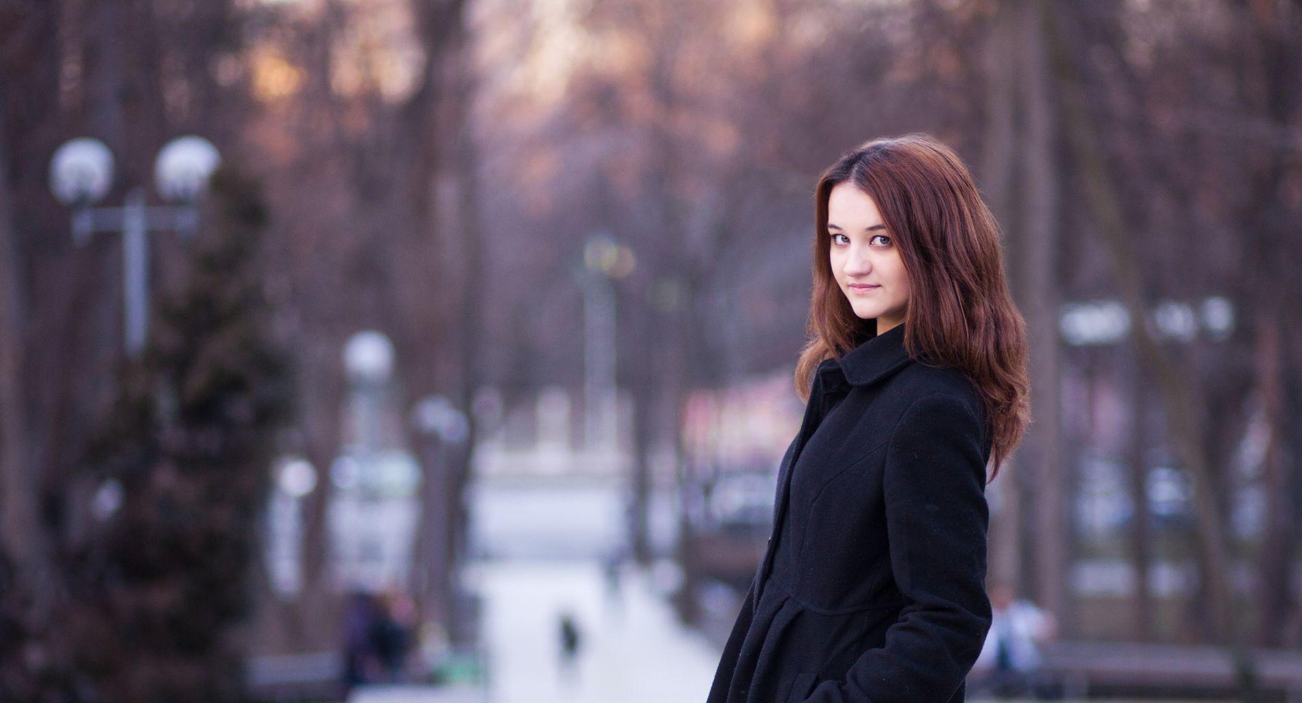 Лучшие позы для фотосессии зимой на улице   35 фото (25)
