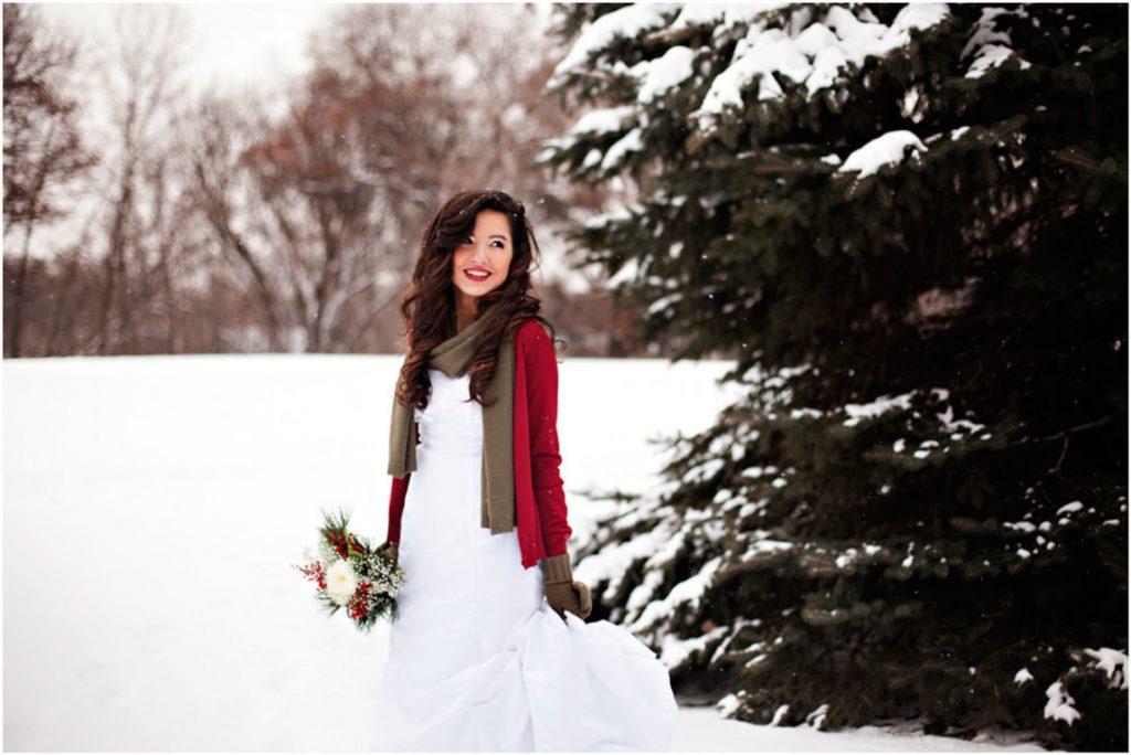 Лучшие позы для фотосессии зимой на улице - 35 фото (28)