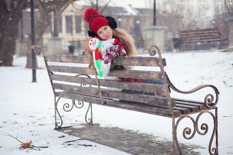 Лучшие позы для фотосессии зимой на улице - 35 фото (33)