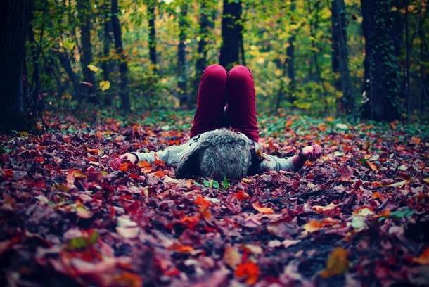 Лучшие фото на аву девушек со спины осень на аву (20)