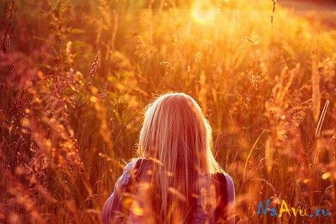 Лучшие фото на аву девушек со спины осень на аву (5)