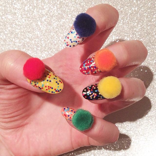 Накрашенные ногти прикольные картинки - подборка (13)