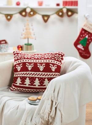 Новогодние наволочки на подушки своими руками015