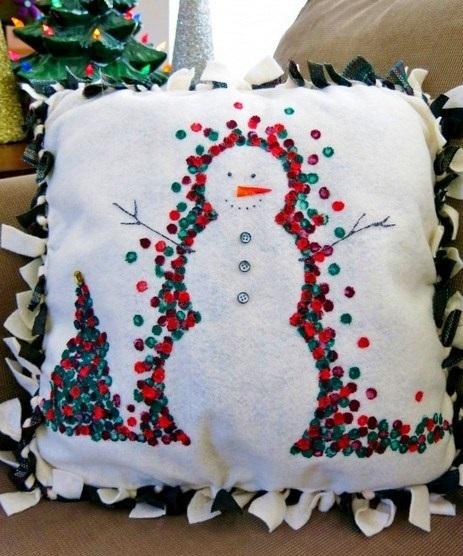 Новогодние наволочки на подушки своими руками017