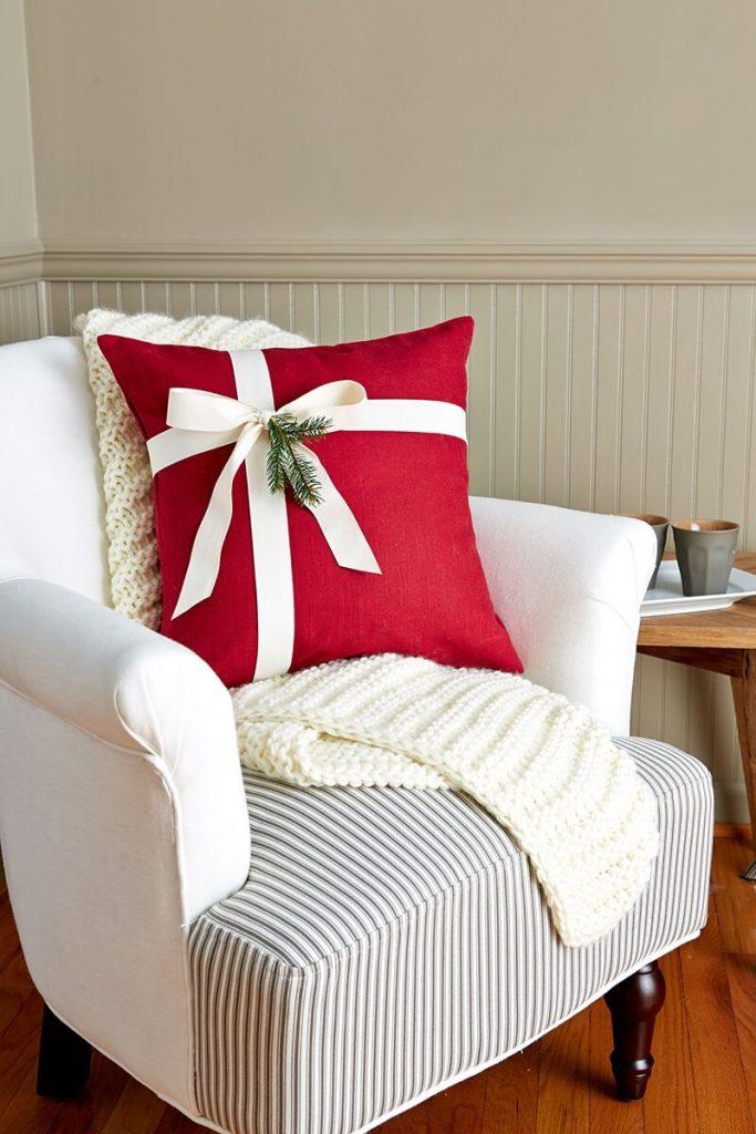 Новогодние наволочки на подушки своими руками019