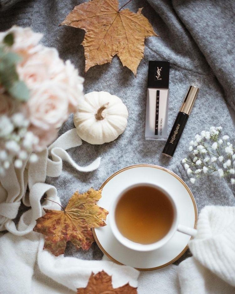 Осенние листья и кофе картинки красивые и милые002