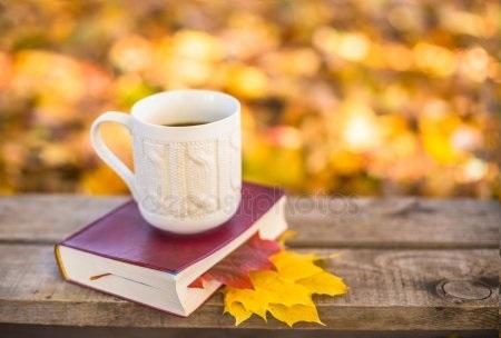 Осенние листья и кофе картинки красивые и милые008