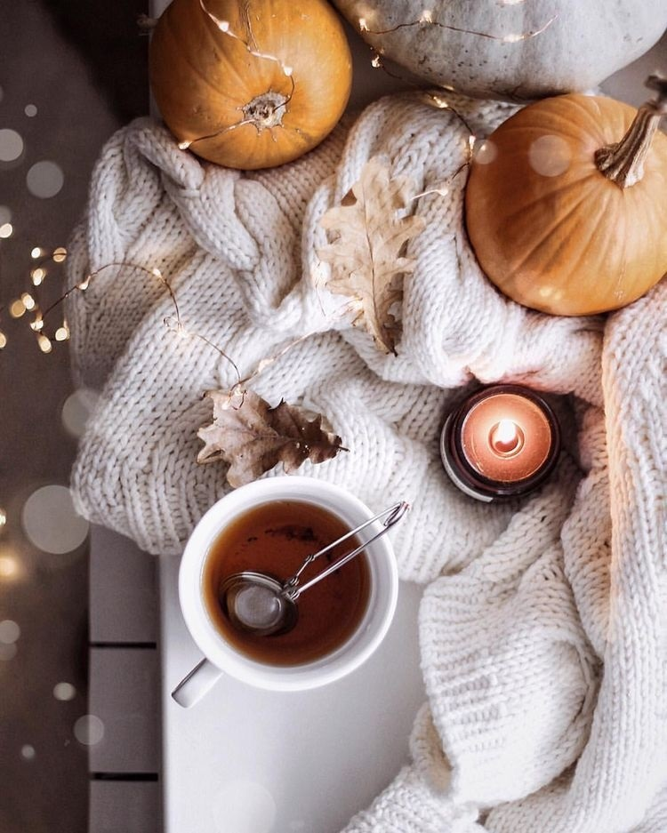 Осенние листья и кофе картинки красивые и милые013