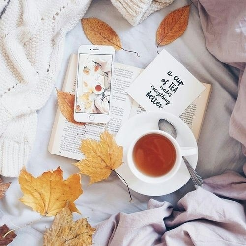 Осенние листья и кофе картинки красивые и милые021