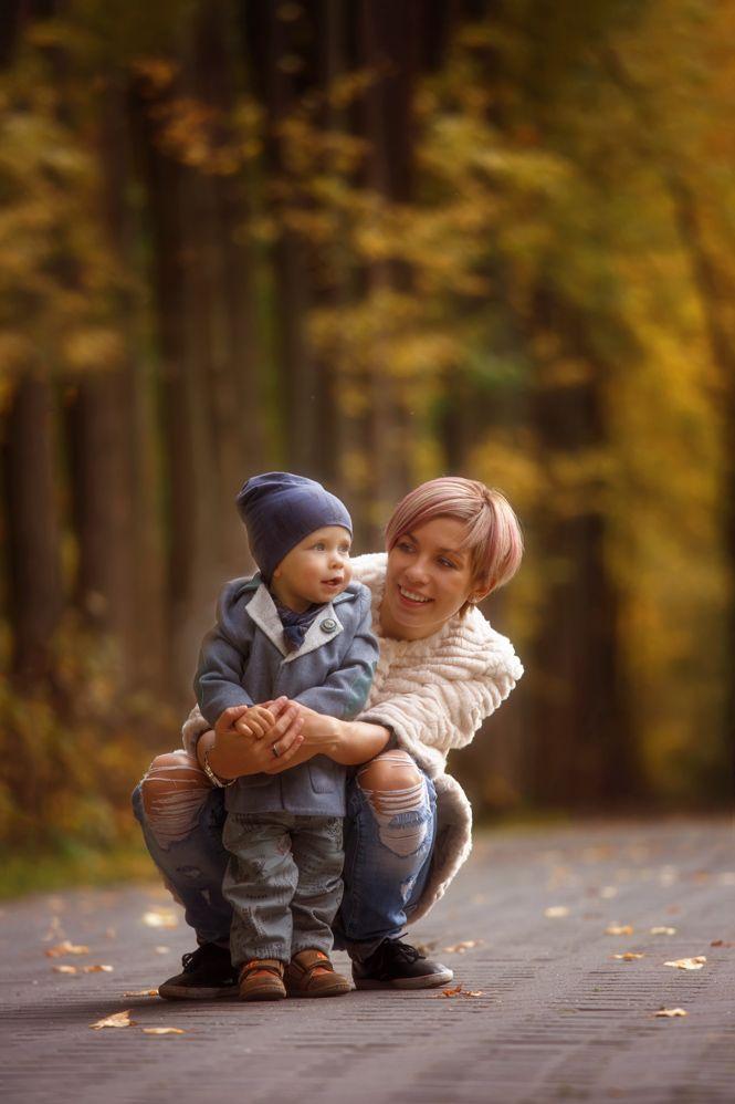 Осенняя семейная фотосессия на природе - фото идеи (13)