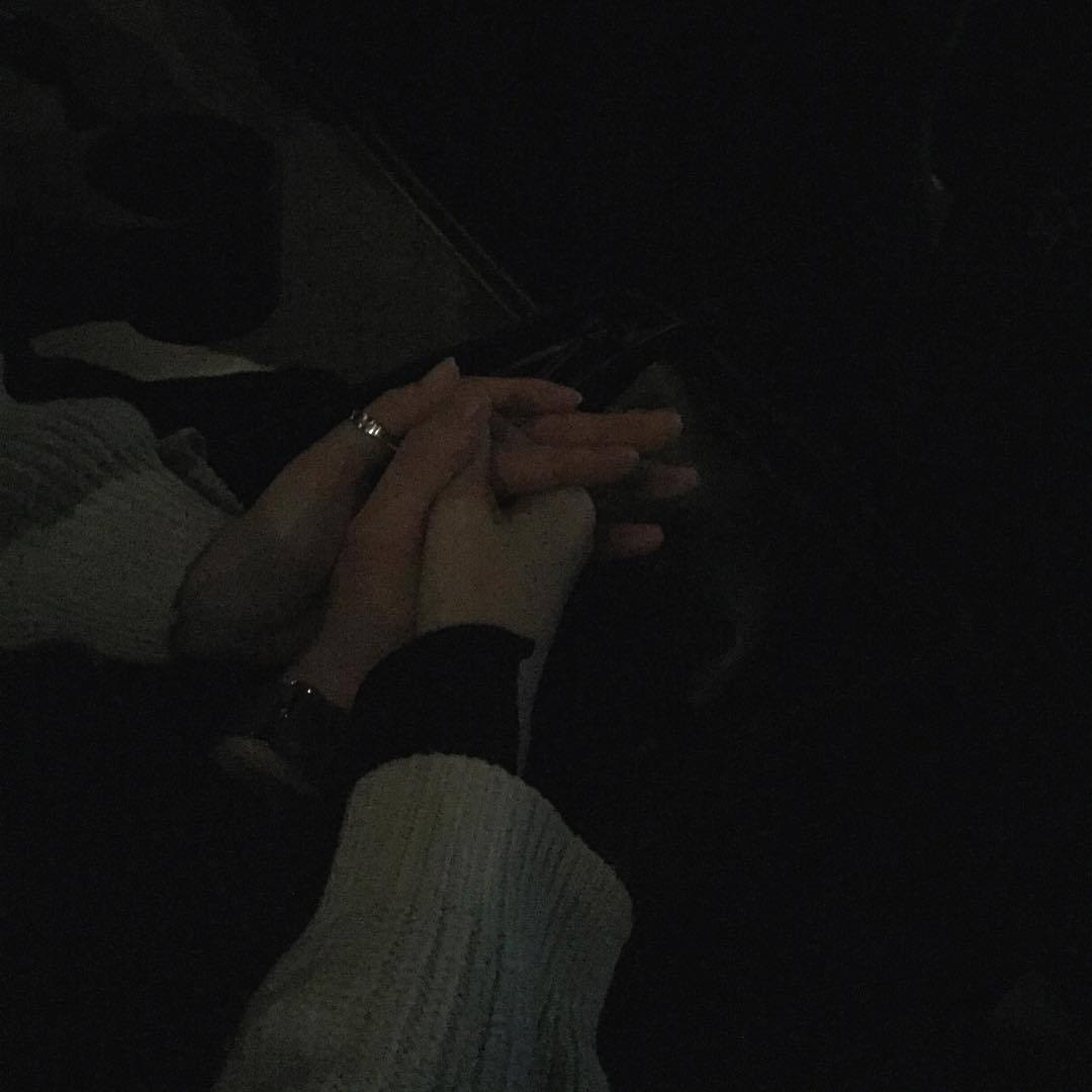 Пары руки в машине фото на аватарку001