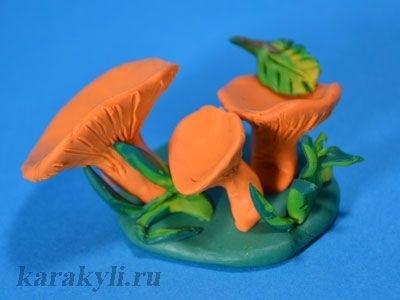 Поделка грибная полянка из пластилина для детей002