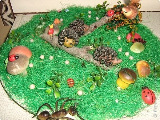 Поделка грибная полянка из пластилина для детей004