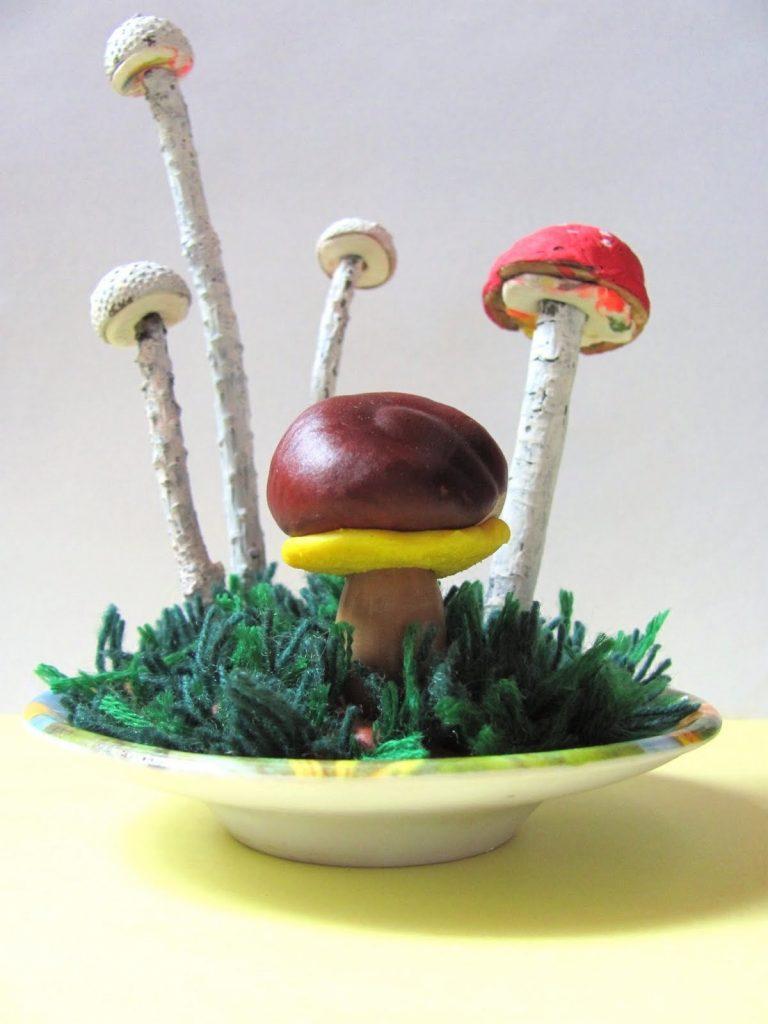 Поделка грибная полянка из пластилина для детей012