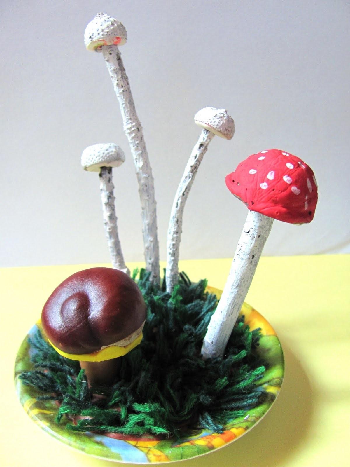 Поделка грибная полянка из пластилина для детей021