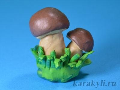 Поделка грибная полянка из пластилина для детей024