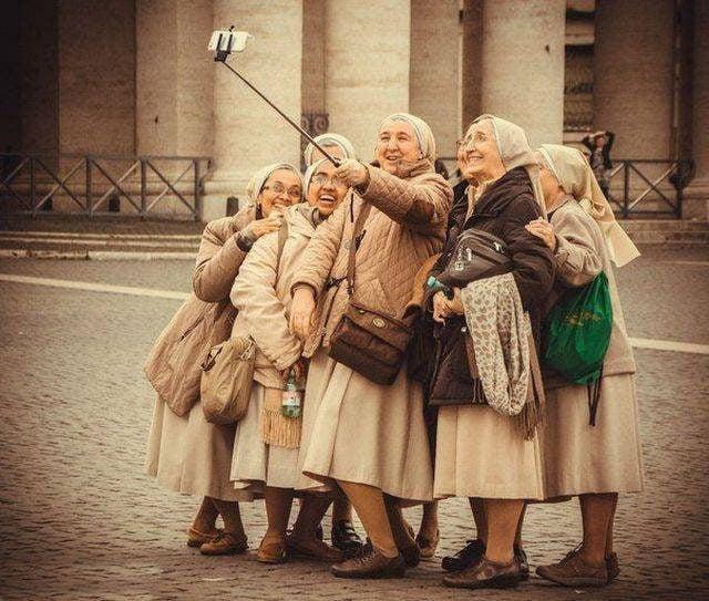 Прикольные картинки смешных старушек (11)
