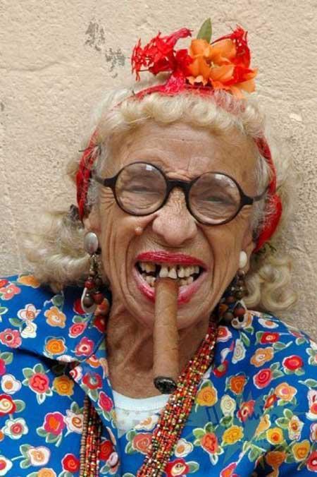 Прикольные картинки смешных старушек (14)
