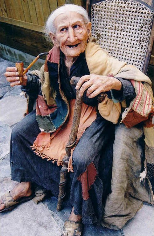 Прикольные картинки смешных старушек (9)
