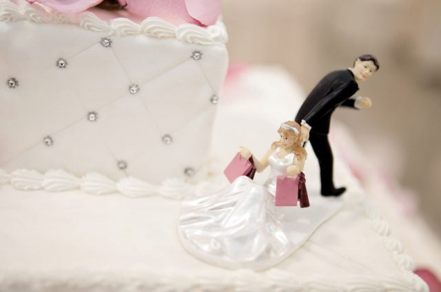 Прикольные картинки торты на свадьбу - идеи с фото (13)
