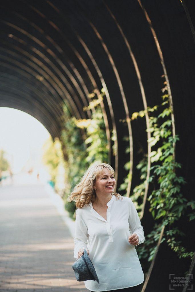 Самые крутые идеи для фотосессии на деревянном мосте018