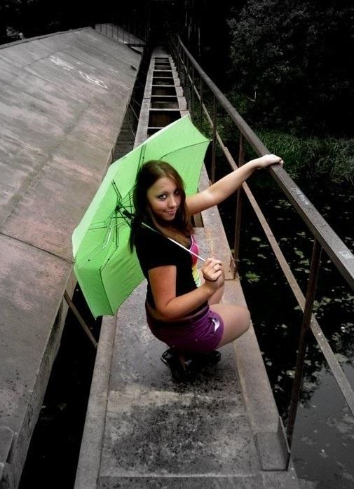 Самые крутые идеи для фотосессии на деревянном мосте023