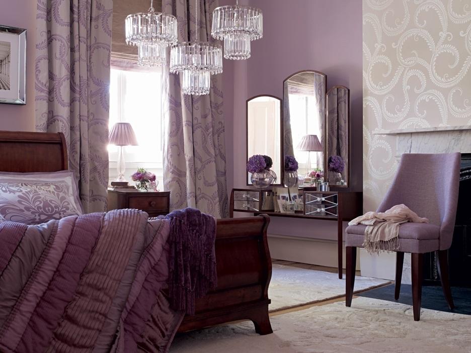 Спальня в сливовом цвете013