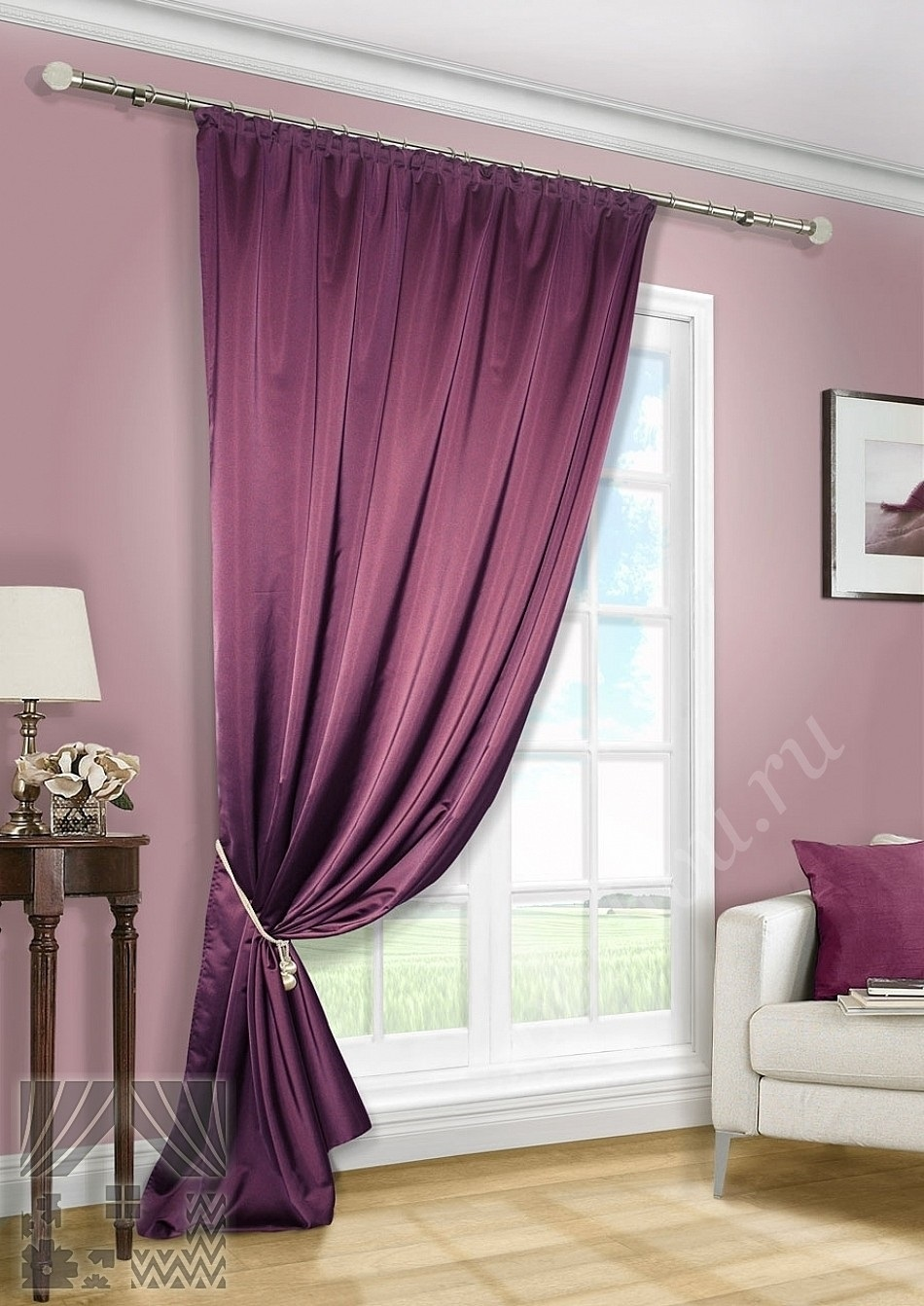 Спальня в сливовом цвете015