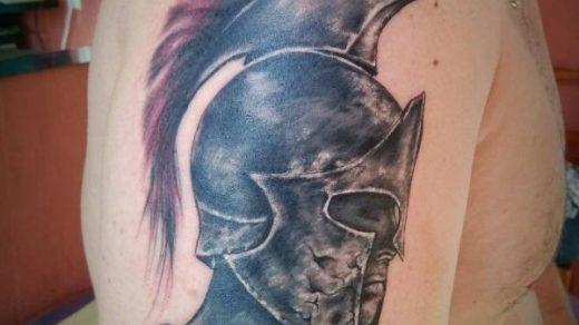 Спартанский шлем тату эскизы (5)
