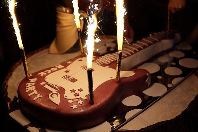Картинки с днем рождения музыканту гитаристу, для