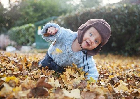 Фотосессия в осеннем лесу идеи с ребенком021