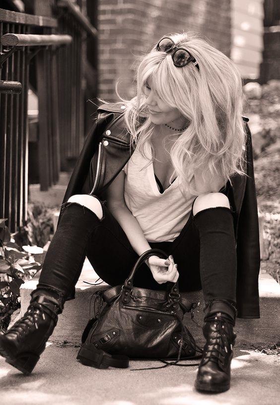 Фото блондинок со спины со средними волосами осенью010