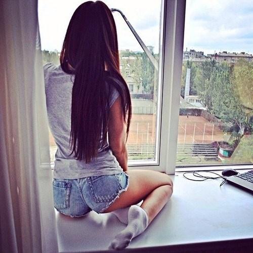 Фото девушек красивых брюнеток на аву со спины006