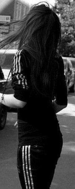 Фото девушек красивых брюнеток на аву со спины007