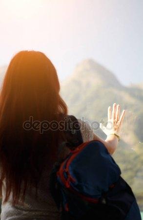 Фото девушек красивых брюнеток на аву со спины018