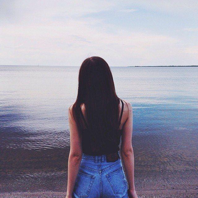 Фото девушек с темными волосами на аву без лица014