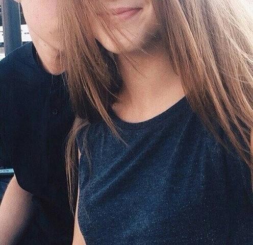 Фото девушка с парнем без лица целуются на аву010