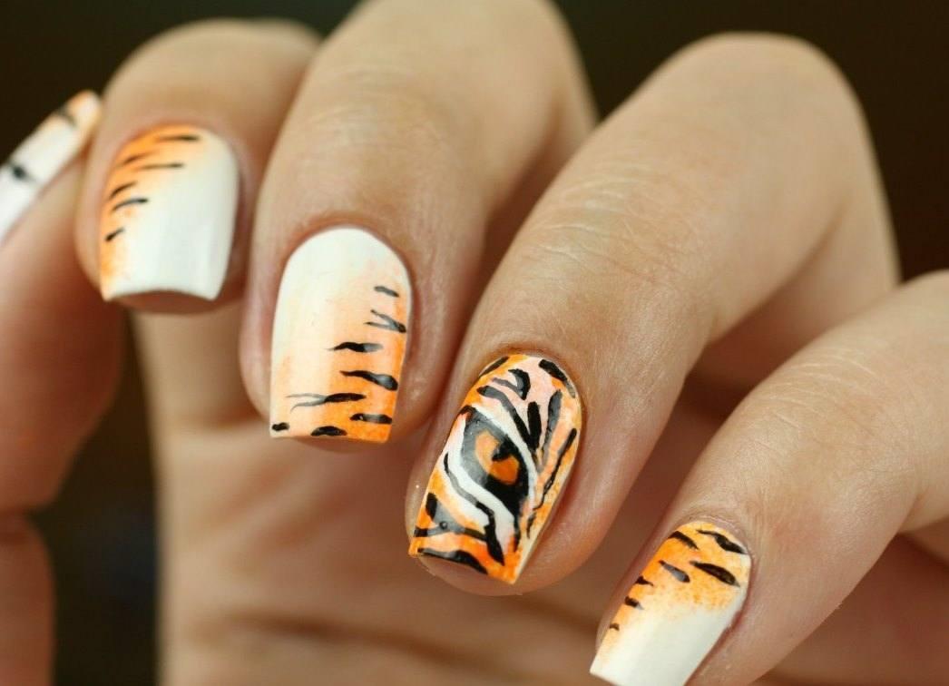 Фото идеи ногти животные дизайн009
