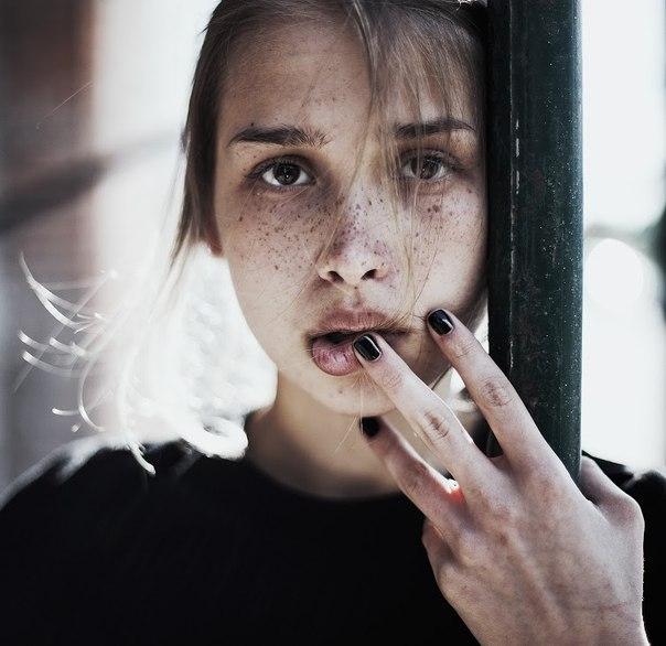 Фото красивых девочек на аву в ВК 13 лет008