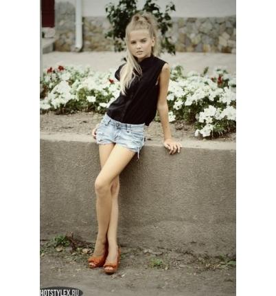 Фото красивых девочек на аву в ВК 13 лет015