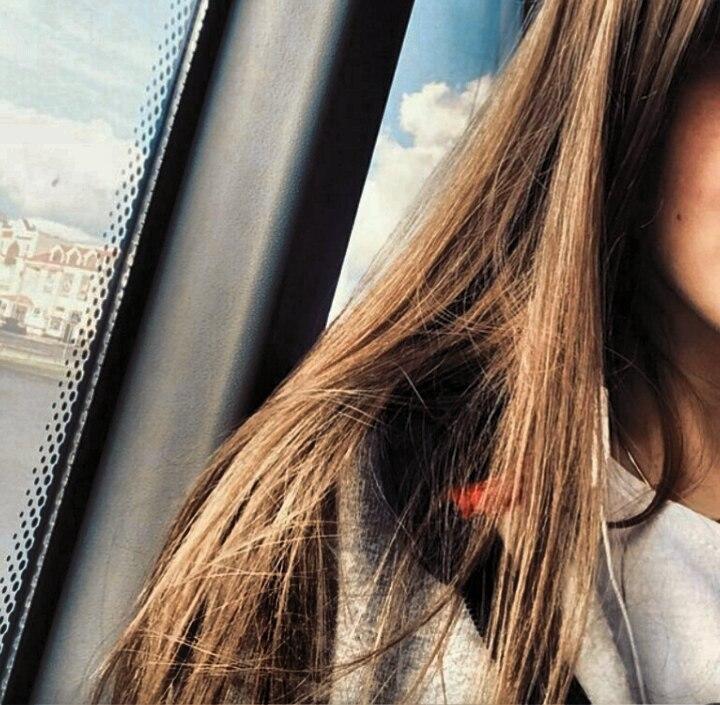 Фото девушки на аву в вк селфи русые волосы