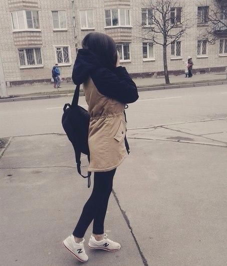 Фото красивых девушек на аву брюнеток со спины025