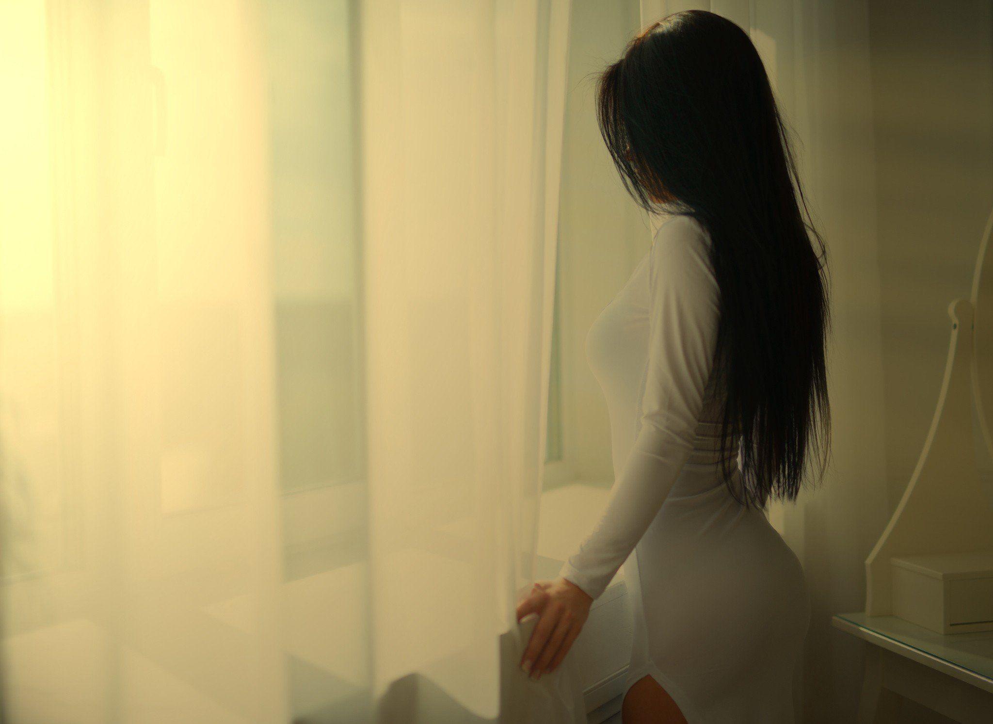 Фото на аву брюнеток с длинными волосами со спины (18)