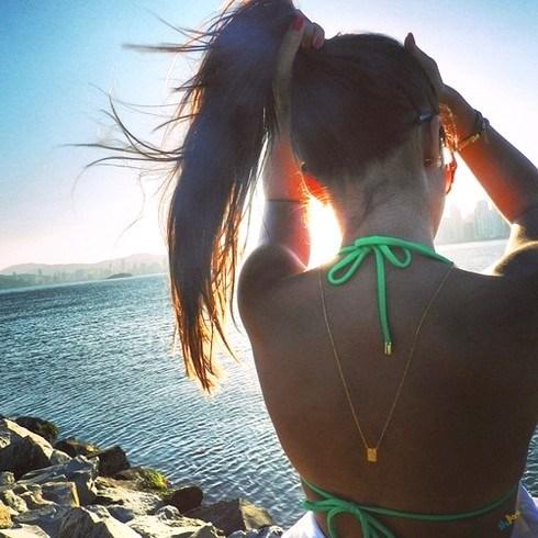 Фото на аву брюнеток с длинными волосами со спины (28)