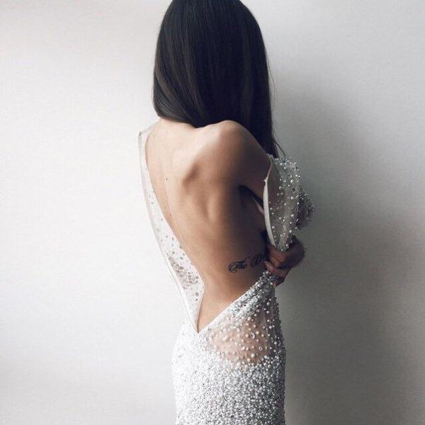 Фото на аву брюнеток с длинными волосами со спины (29)