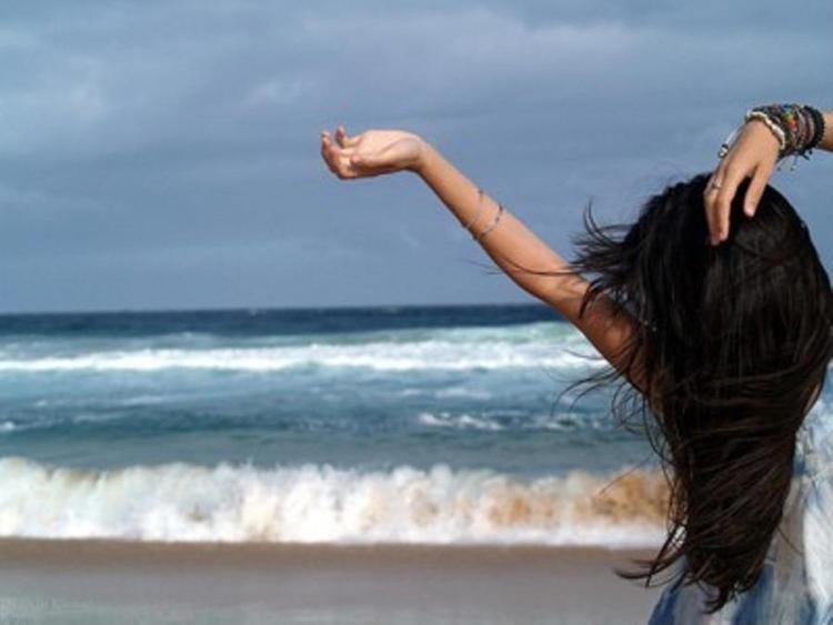Фото на аву брюнеток с длинными волосами со спины (9)